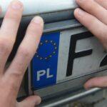 Przerejestrowanie samochodu w 2020 roku - ile kosztuje i jakie dokumenty są potrzebne?